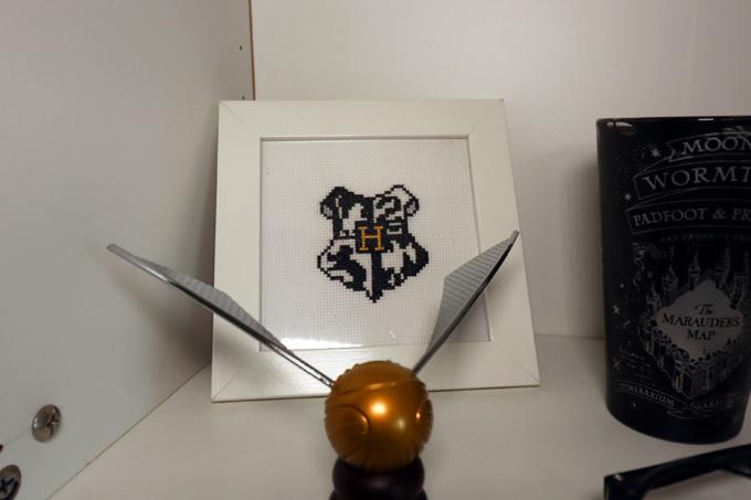 DIY - Quadro Ponto Cruz com brasão de Hogwarts